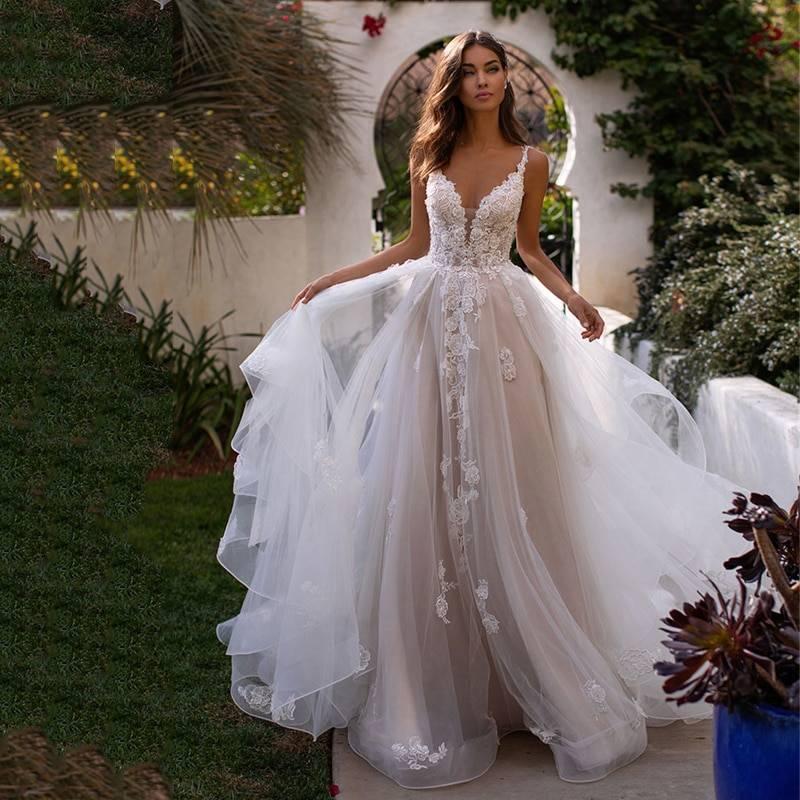Ноль недостатков: выбираем свадебные платья для полных девушек