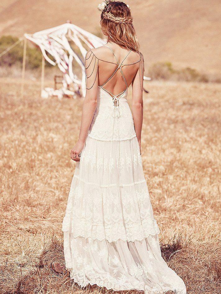 Платье в стиле бохо на свадьбу: 100 красивых и стильных фото современных фасонов